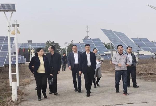 省机关事务管理局领导参观考察光伏电站项目